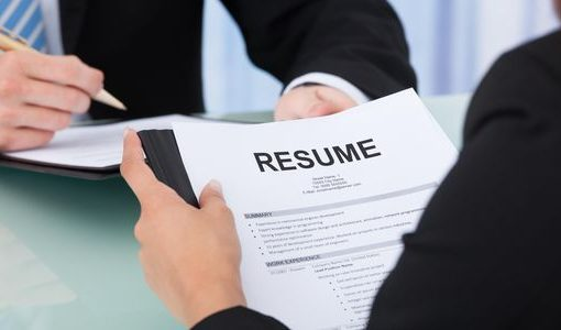 What services to expect from federal resume writers and how to choose one