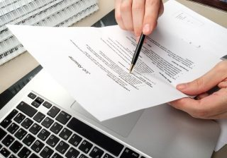 Main features of the resume writing services may differ with each other