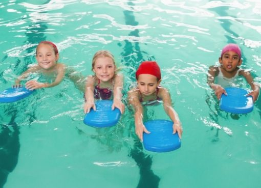 Amazing benefits of taking swimming classes for kids